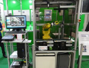 自動外観検査ロボットFlexInspector-ROBO